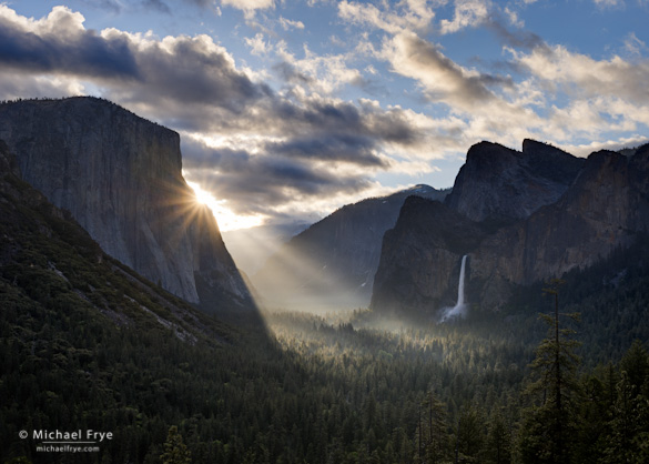 Sunbeams from Tunnel View, spring, Yosemite National Park