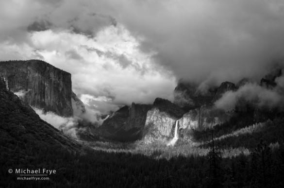 Clearing rainstorm from Tunnel View, Yosemite NP, CA, USA