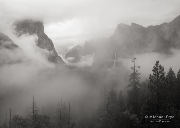 Misty morning at Tunnel View, Yosemite NP, CA, USA