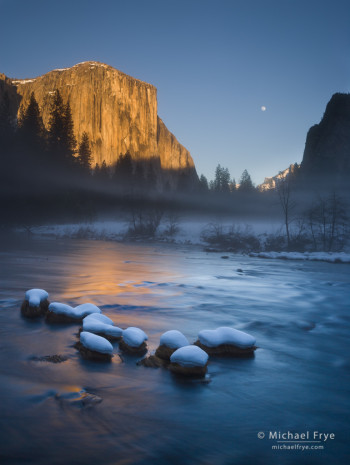 Moon rising between El Capitan and Cathedral Rocks from Valley View, Yosemite NP, CA, USA