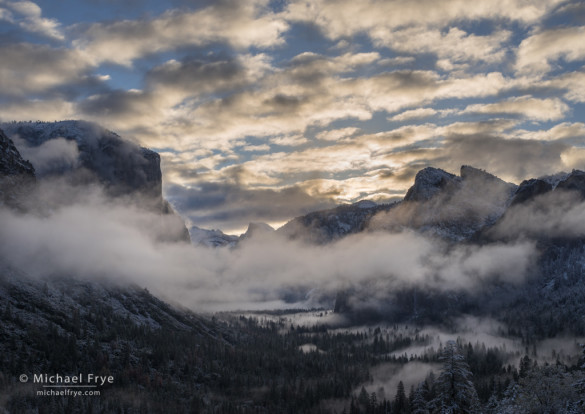 Clouds and mist from Tunnel View, sunrise, Yosemite NP, CA, USA