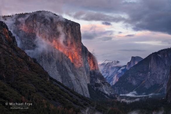 Sunset light, Tunnel View, Yosemite NP, CA, USA
