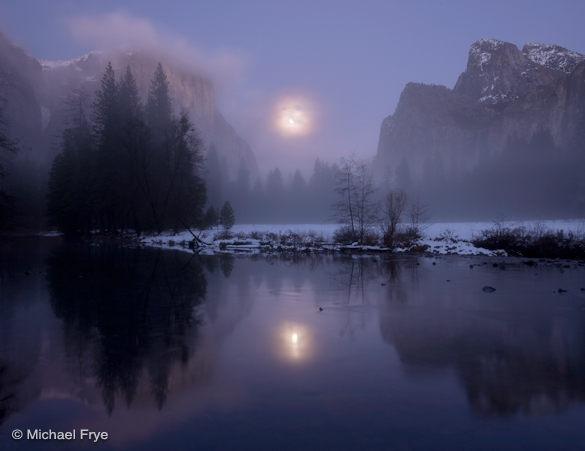 Rising moon, Gates of the Valley, Yosemite