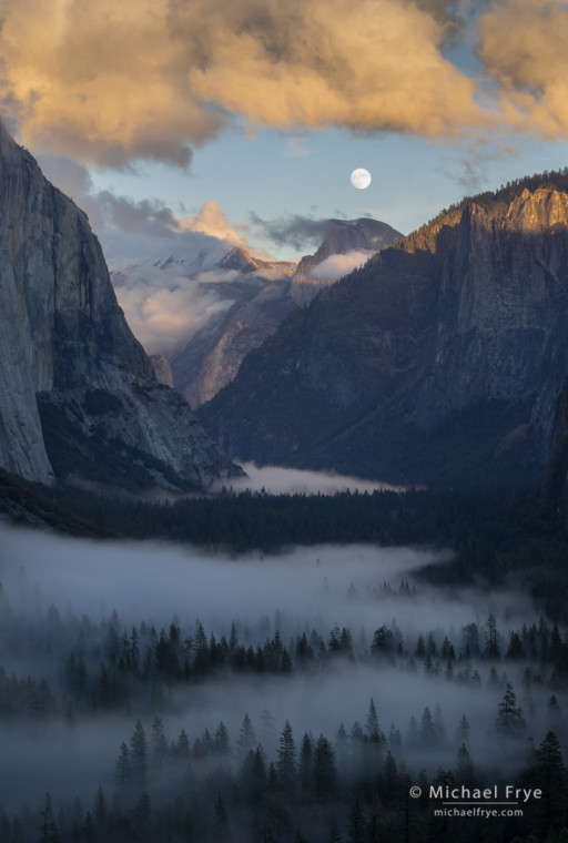 Moon rising above Yosemite Valley, Yosemite NP, CA, USA