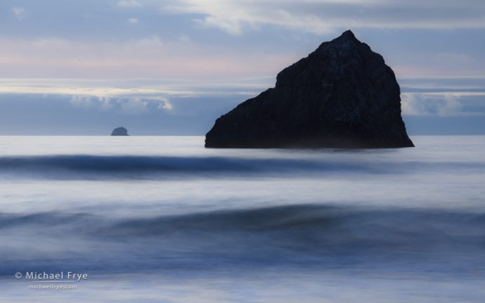 Sea stacks and waves, Redwood NP, CA, USA
