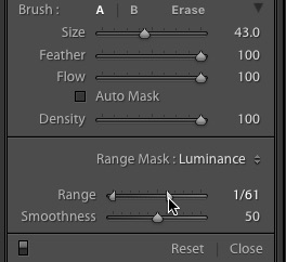 The Range sliders control the range of tones (from 0 to 100) affected by the adjustment. The Smoothness slider further refines the selection.