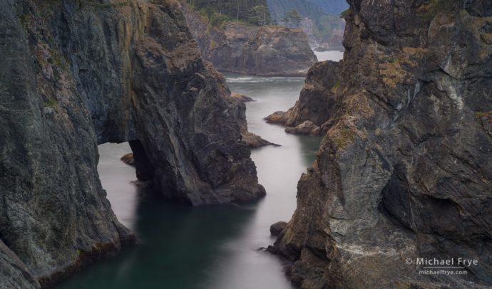 Natural bridge, Oregon coast, USA