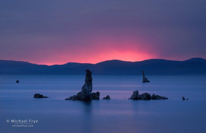 Tufa formations at sunrise, Mono Lake, CA, USA